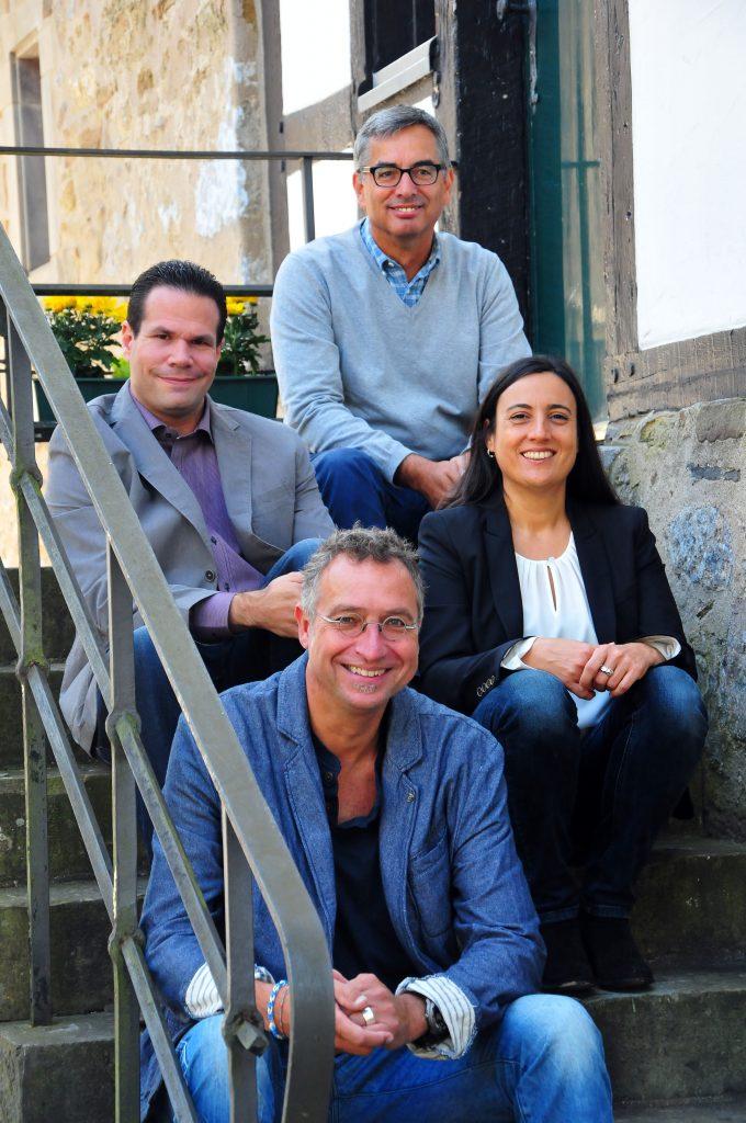 Gruppenbild: Die Gründer von Taeglich.ME Philipp Nieländer, Thomas Reuter, Thomas Lekies und Tanja Albrecht (v.l.n.r.)