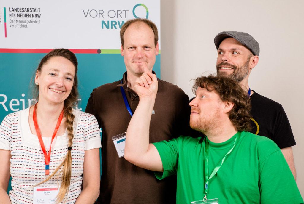 Teamfoto von Teilnehmenden des Hackathon 2018.